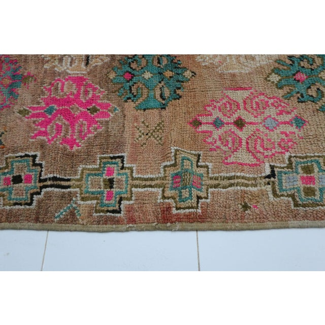 1970s 1970s Moroccan Boujad Rug - 4'7 X 6'5 For Sale - Image 5 of 6