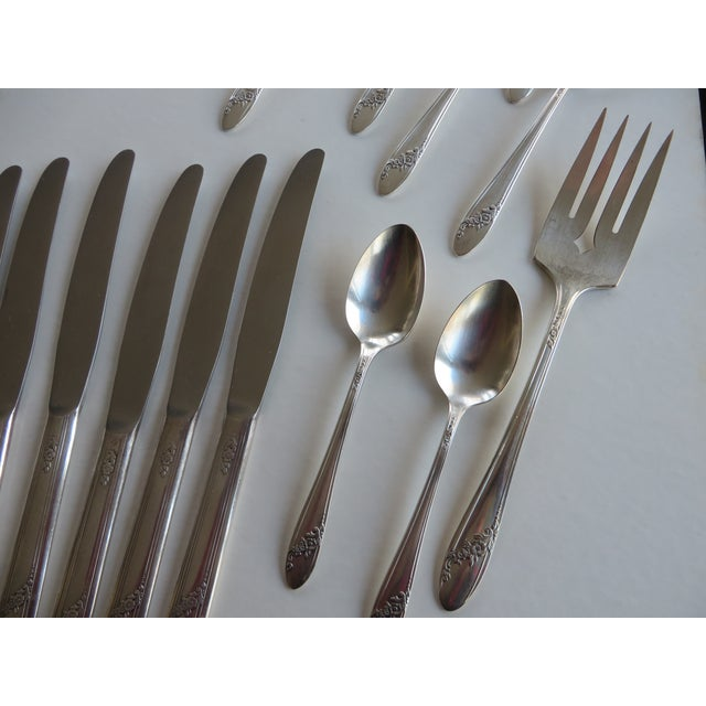Silver 1946 Vintage Queen Bess Pattern Tudor Plate Oneida Community Flatware - Set of 63 For Sale - Image 8 of 12