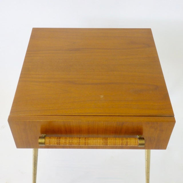 Mid-Century Modern Robsjohn Gibbings Widdicomb Nightstand Side Table with Raffia Cane Covered Pull For Sale - Image 3 of 9