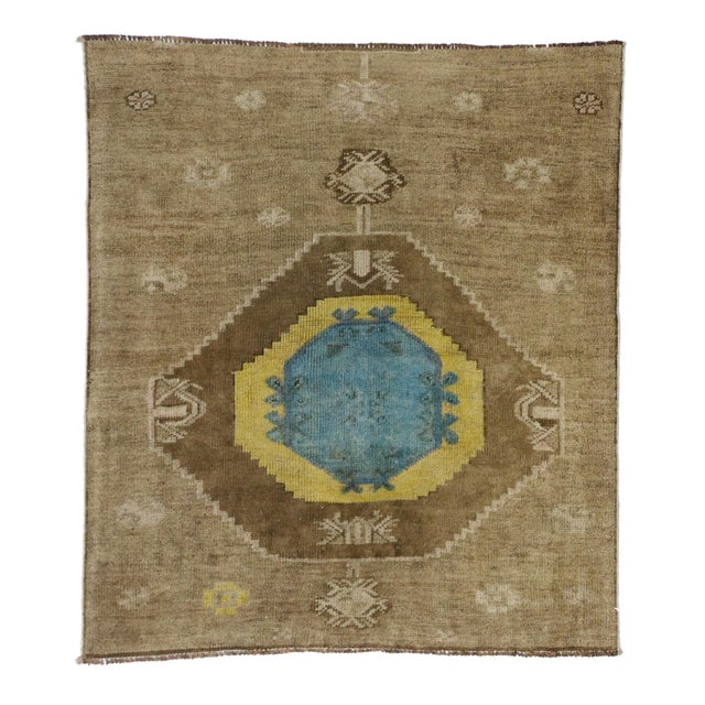 Vintage Turkish Oushak Runner with Modern Contemporary Style, 3'11 x 4'4 For Sale In Dallas - Image 6 of 7