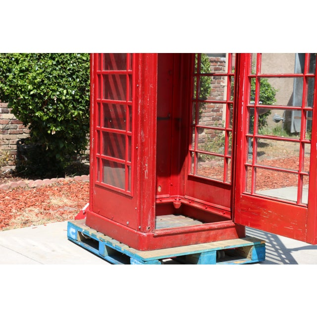 Metal Vintage London Lifesize Telephone Booth For Sale In Los Angeles - Image 6 of 13