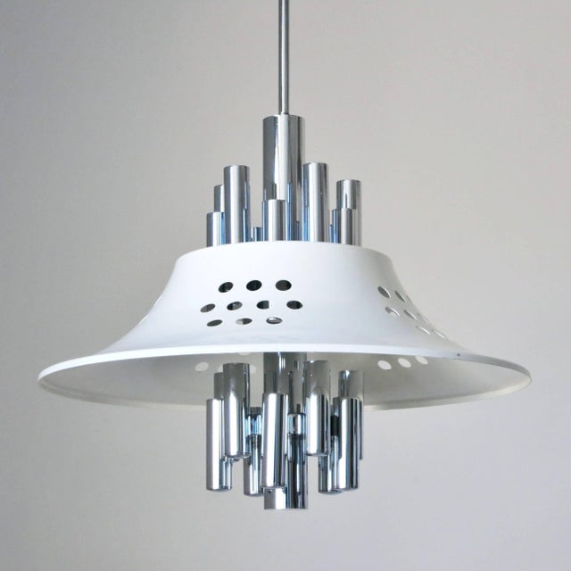 Vintage Italian pendant in chrome and white enameled metal shades / Designed by Sciolari circa 1970's / Made in Italy 10...
