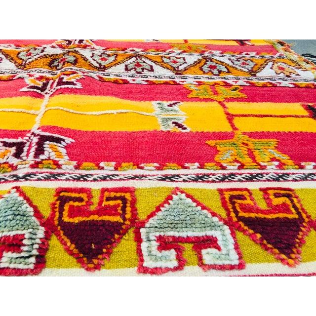Moroccan Vintage Tribal Rug - 4′9″ × 6′11″ For Sale - Image 12 of 13