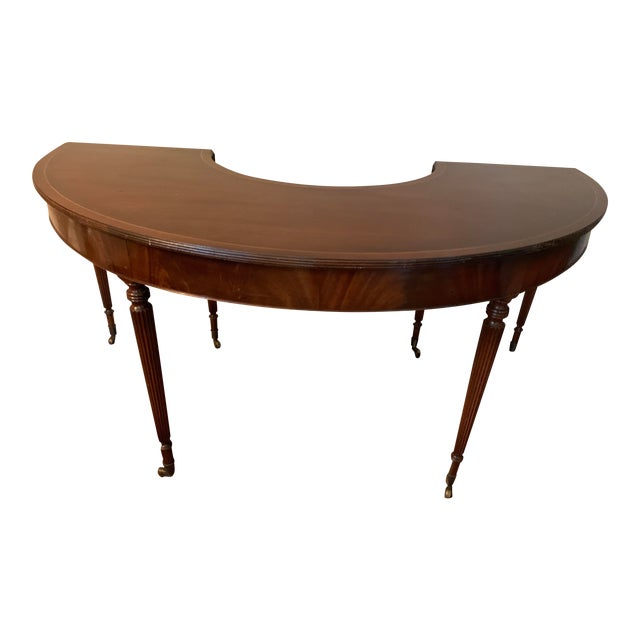 Solid Mahogany Hunt Table in the Federal Regency Style For Sale