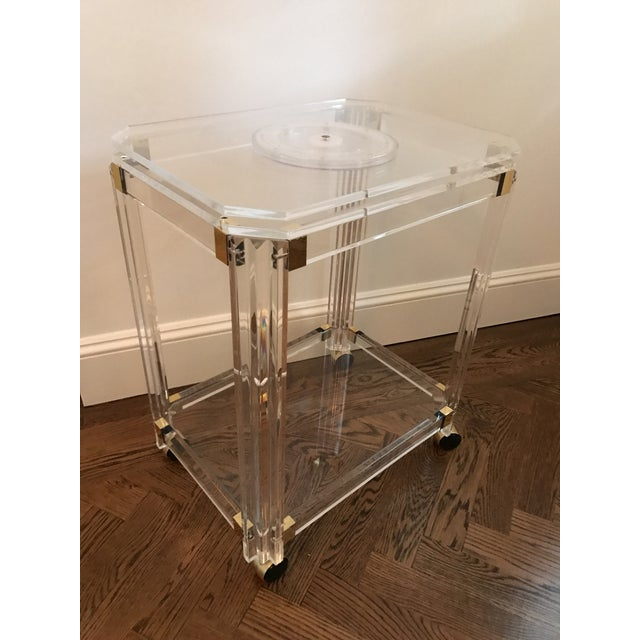 Contemporary Vintage Lucite and Brass Bar Cart with Swivel Top For Sale - Image 3 of 11