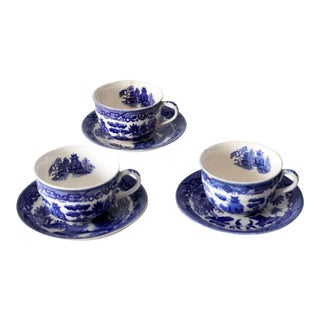 Vintage Japanese Blue Willow Tea Cups and Saucers- Set of 6 For Sale