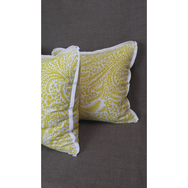 English Raoul Textiles Throw Pillows in Arcadia Linen Print - a Pair For Sale - Image 3 of 5
