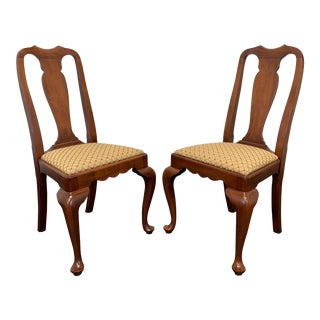 Henkel Harris Solid Wild Black Cherry Queen Anne Dining Side Chair - Pair 1 For Sale