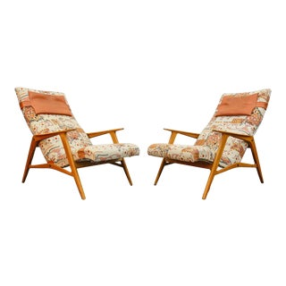Pair of Swedish Modern Chaise Lounge Chairs in Beech For Sale