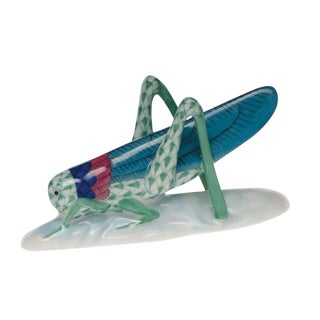 Herend Green Fishnet Grasshopper Figurine For Sale