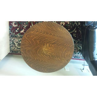 Oak Round Parlor Table Preview
