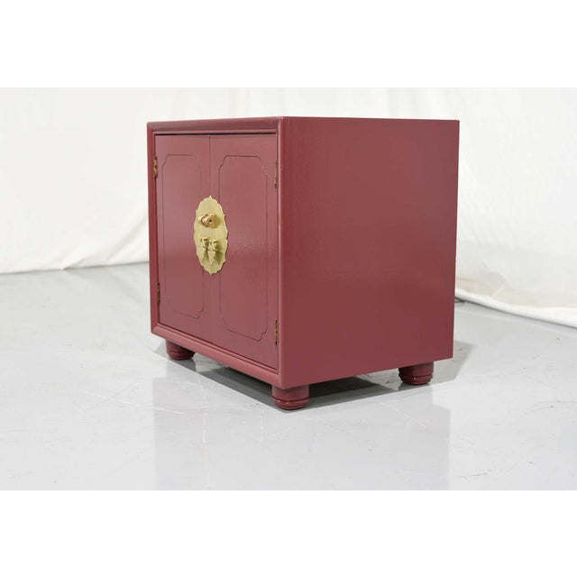 1970s Chinoiserie Nightstands With Brass Hardware in Mauve by Henredon - Freshly Painted For Sale In Chicago - Image 6 of 9