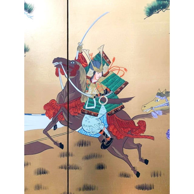 1980s Vintage Japanese Gold-Leaf Byobu 4 Panel Folding Screen with Three Samurai on Horseback and Pines For Sale - Image 5 of 13
