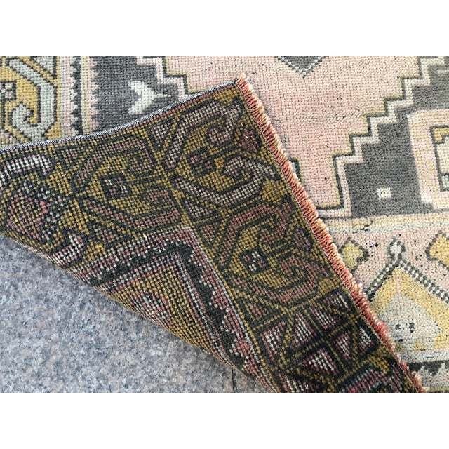 Turkish Oushak Pastel Handwoven Floor Rug - 3′1″ × 5′10″ For Sale - Image 4 of 11