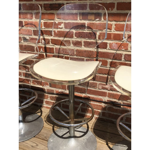 1970s Mid-Century Modern Hill Manufacturing Lucite Bar Stools - Set of 4 For Sale In Philadelphia - Image 6 of 10