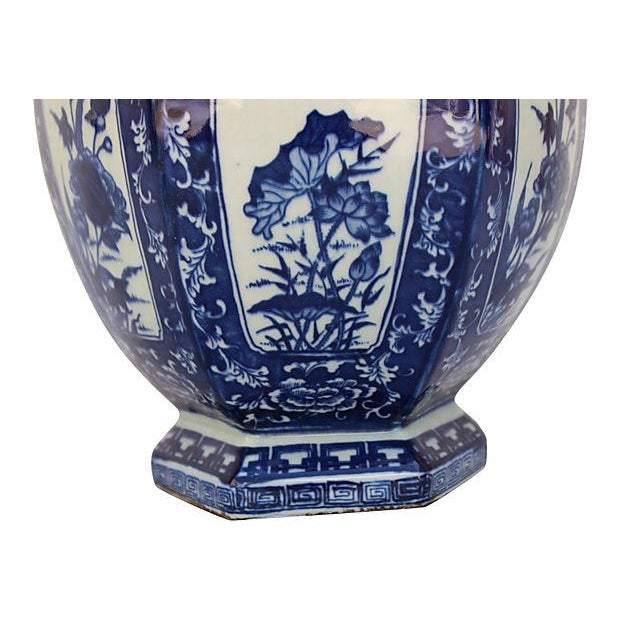 Chinese Chinoiserie Blue & White Vase For Sale - Image 4 of 5