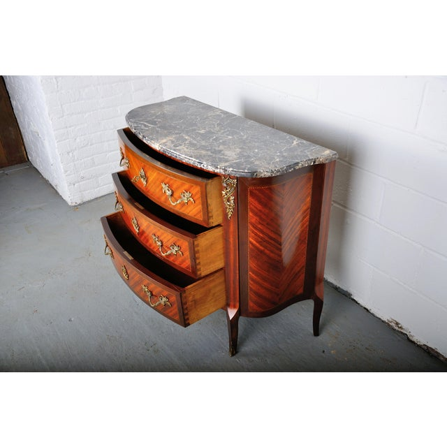 Brown Antique French Louis XV Mahogany Inlay Marquetry Large Commode W/ Marble Top For Sale - Image 8 of 13