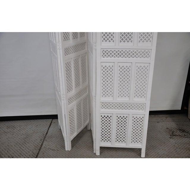 Vintage Mashrabiya Wooden Floor White Screen For Sale - Image 10 of 13