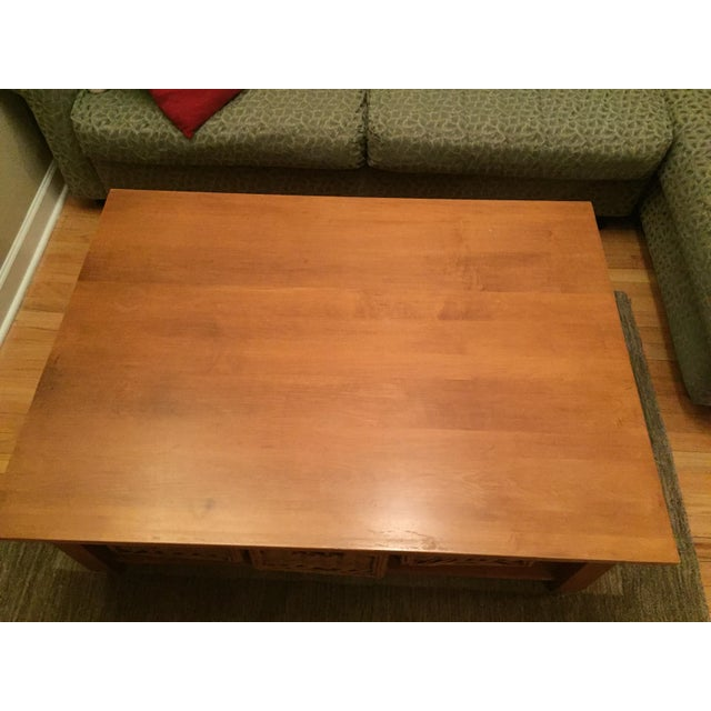 Ethan Allen Maple Coffee Table: Solid Wood Ethan Allen Coffee Table