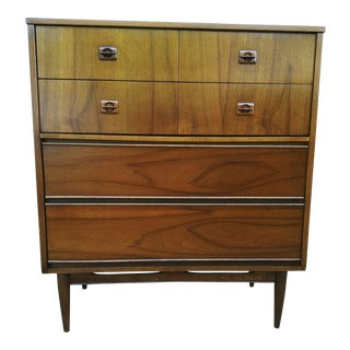 Mid Century Modern 4 Drawer Chest / Dresser For Sale
