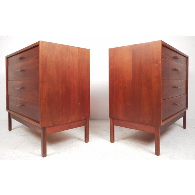 Jens Risom Style Mid-Century Chest of Drawers For Sale - Image 4 of 10
