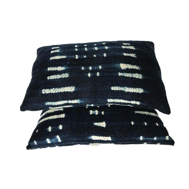"Vtg Bondoukou Cloth Textile Indigo Cloth Lumbar Pillows S/2 I. Coast 17.5"" W For Sale In New York - Image 6 of 7"