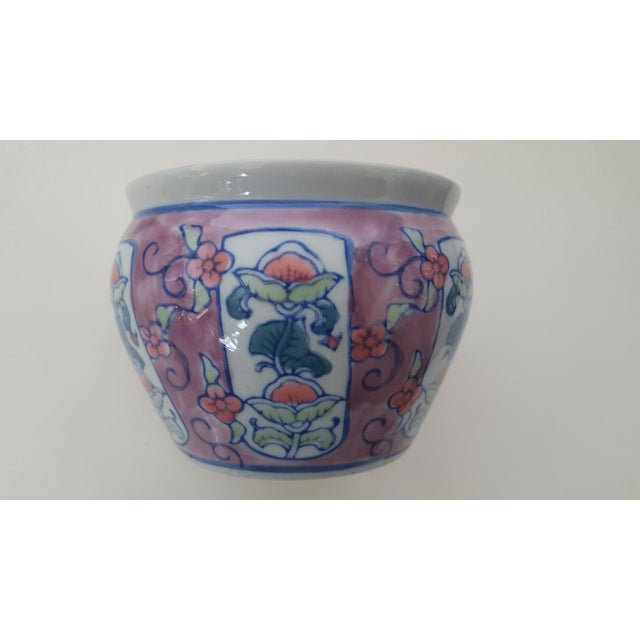 Vintage Chinoiserie Floral Porcelain Cachepot For Sale - Image 5 of 7