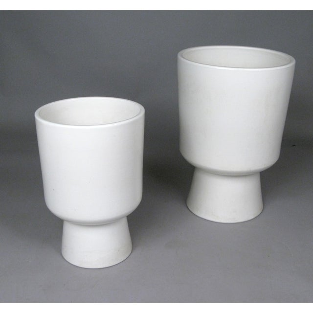 Malcolm Leland 1960s Chalice Planters by Malcolm Leland for Architectural Pottery - a Pair For Sale - Image 4 of 10