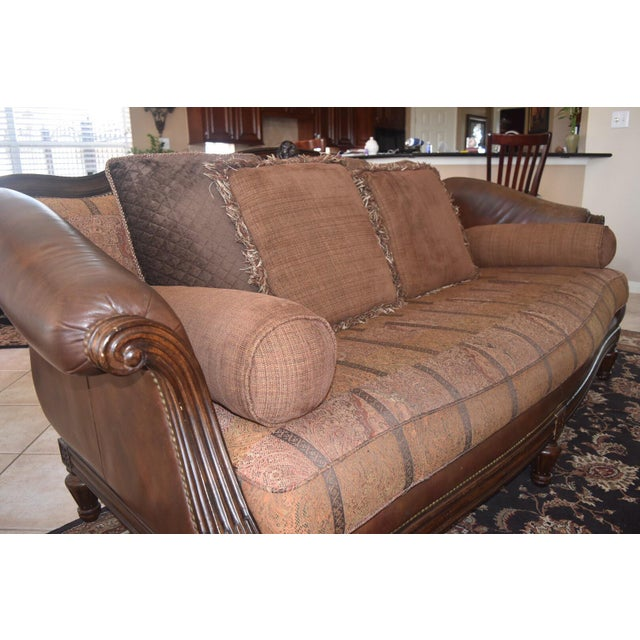 Neoclassical Revival Thomasville Valentini Sofa For Sale - Image 3 of 5