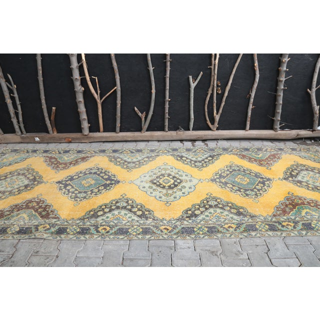 Farmhouse 1960's Vintage Turkish Hand-Knotted Wide Long Runner-4′7″ × 12′10″ For Sale - Image 3 of 11