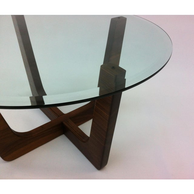 """Mid-Century Modern 28"""" Round Glass Top Mid-Century Modern Coffee Table For Sale - Image 3 of 6"""