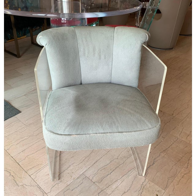 Set of 4 Barrel Chairs in Lucite and Pony Hair Leather For Sale In Los Angeles - Image 6 of 12