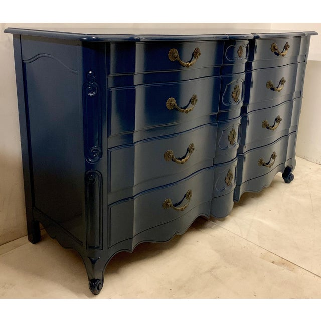 French Navy Lacquered John Widdicomb French Style Chest For Sale - Image 3 of 12