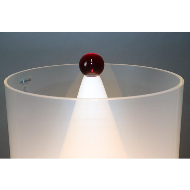 White Mid-Century Modern Murano Glass Table Lamp with Red Accent For Sale - Image 8 of 12