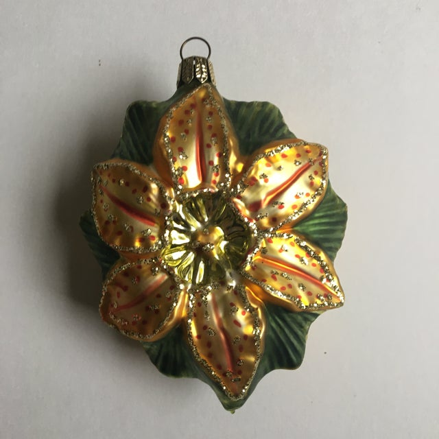 Vintage Floral and Shamrock Shaped Glass Christmas Tree Ornaments - Set of 4 For Sale - Image 9 of 11