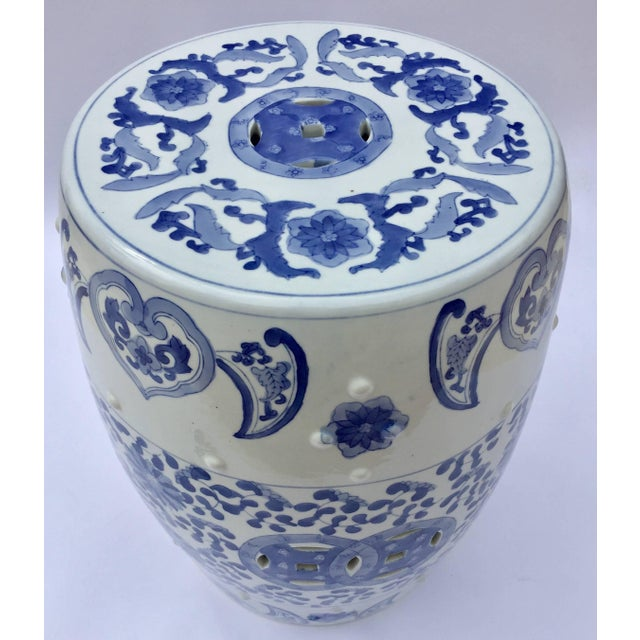 Chinoiserie Chinese Porcelain Garden Seat in Blue and White Floral Motif For Sale - Image 3 of 13