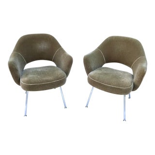 Mid-Century Modern Knoll Eero Saarinen Executive Arm Chairs - a Pair For Sale