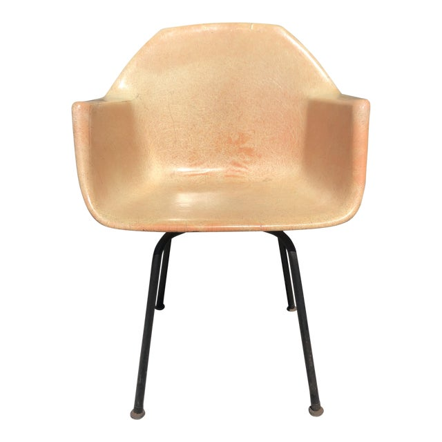1960s Vintage Molded Fiberglass Eames Herman Miller Style Armchair For Sale