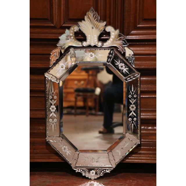 Early 20th Century Early 20th Century Italian Octagonal Venetian Mirror With Painted Floral Etching For Sale - Image 5 of 10