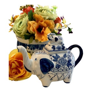 Blue and White Porcelain Elephant Tea or Cream Pitcher For Sale