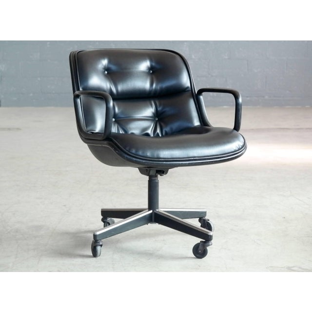 Aluminum Charles Pollock Executive Chair for Knoll International in Black Leather For Sale - Image 7 of 7