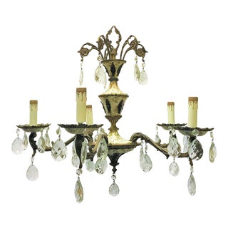 Early 20th Century Spanish Brass and Tole 5-Light Chandelier With Crystal Teardrops For Sale