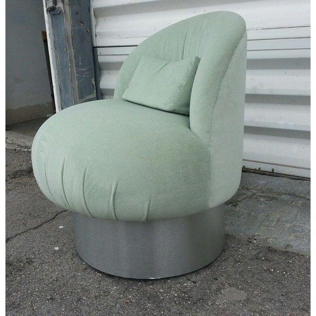 Hollywood Regency 1970's Hollywood Regency Green Swivel Vanity Chair For Sale - Image 3 of 8