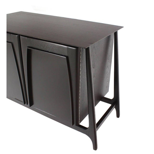 Mid-Century Modern Two-Door Sculptural Exposed Leg Ebonized Server Three-Drawer Bachelor Chest For Sale - Image 3 of 8
