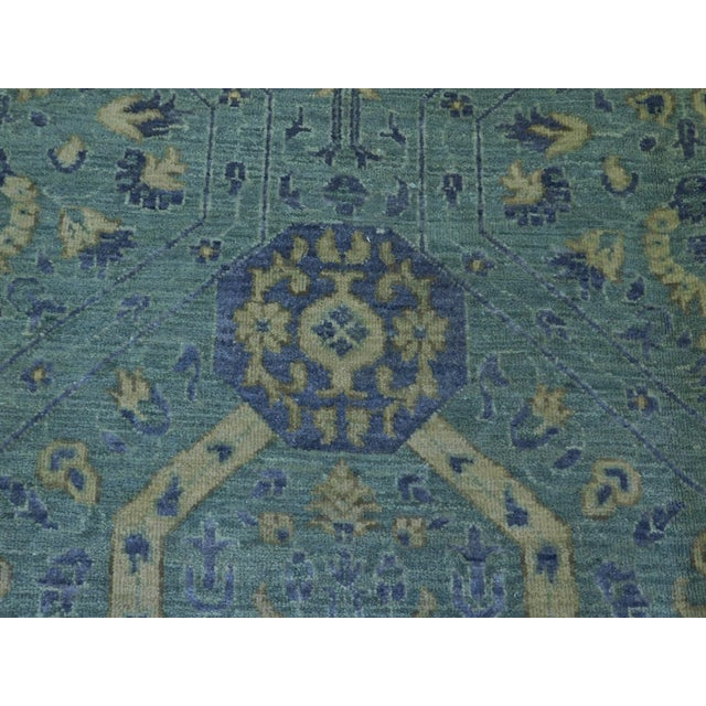 """Traditional Farahan Hand-Knotte Rug - 8'2"""" Round. For Sale - Image 3 of 10"""