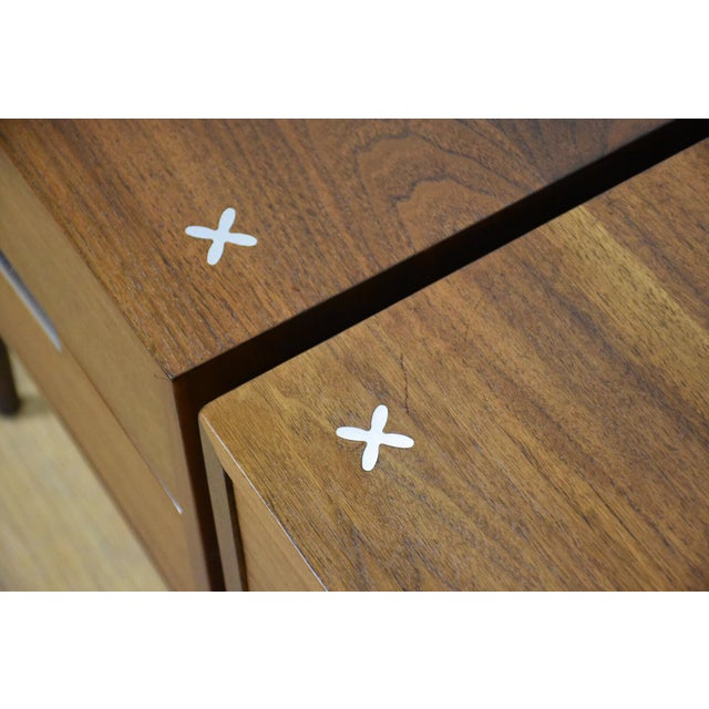American of Martinsville Walnut Nightstands - A Pair - Image 9 of 9