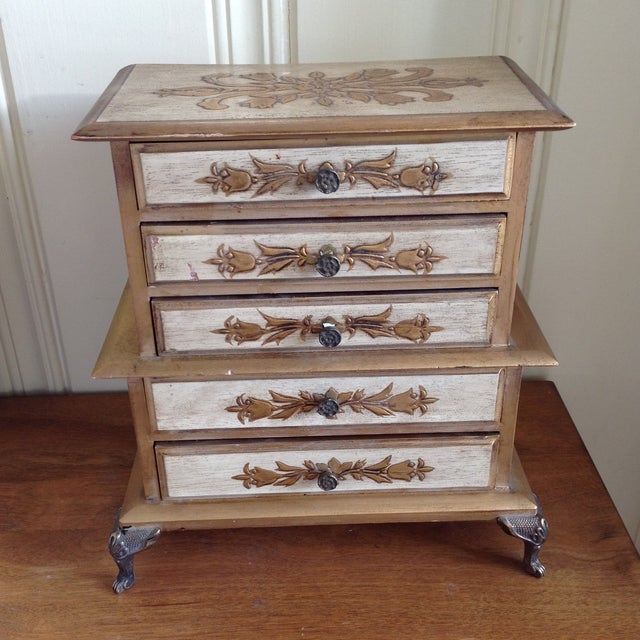 Gold Mid-Century French Provincial Jewelry Box For Sale - Image 8 of 9