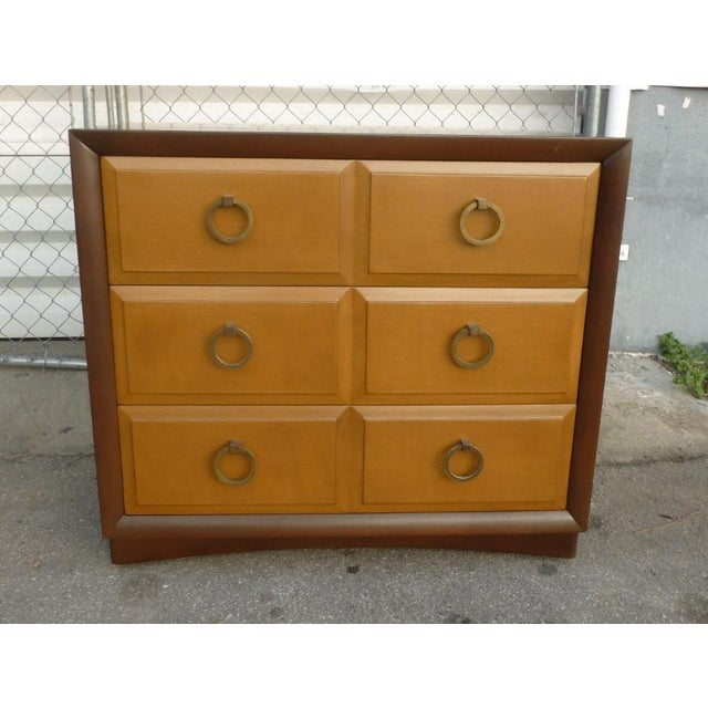 1950s Mid Century Modern Widdicomb t.h. Robsjohn Gibbings Matching Chest of Drawers - a Pair For Sale In Miami - Image 6 of 10