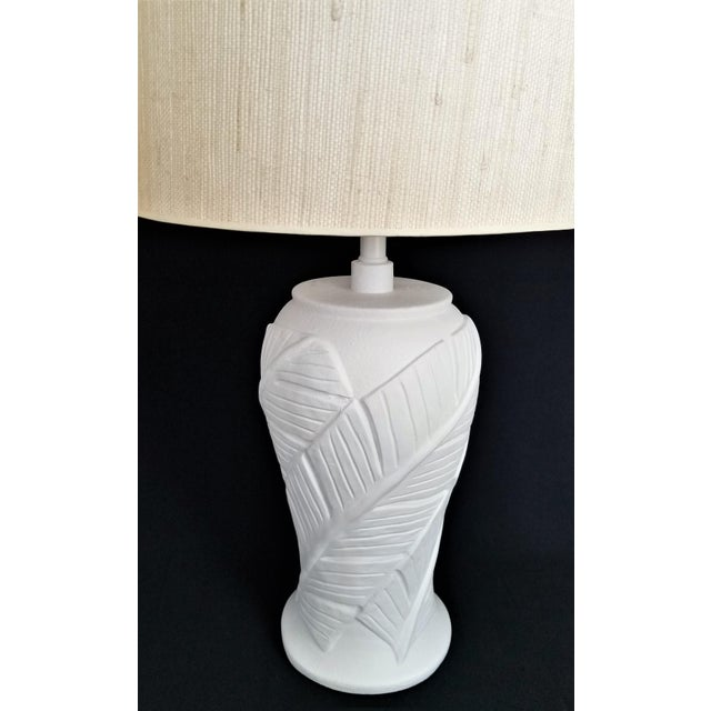White Plaster Palm Leaf Lamps - a Pair - Vintage Mid Century Modern Tropical Coastal Palm Beach Banana Tree Nautical For Sale - Image 11 of 12