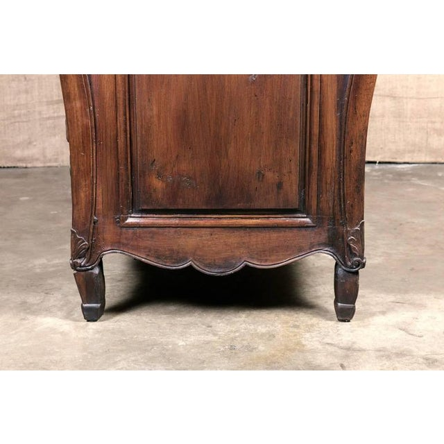 18th Century French Louis XV Commode For Sale - Image 9 of 10